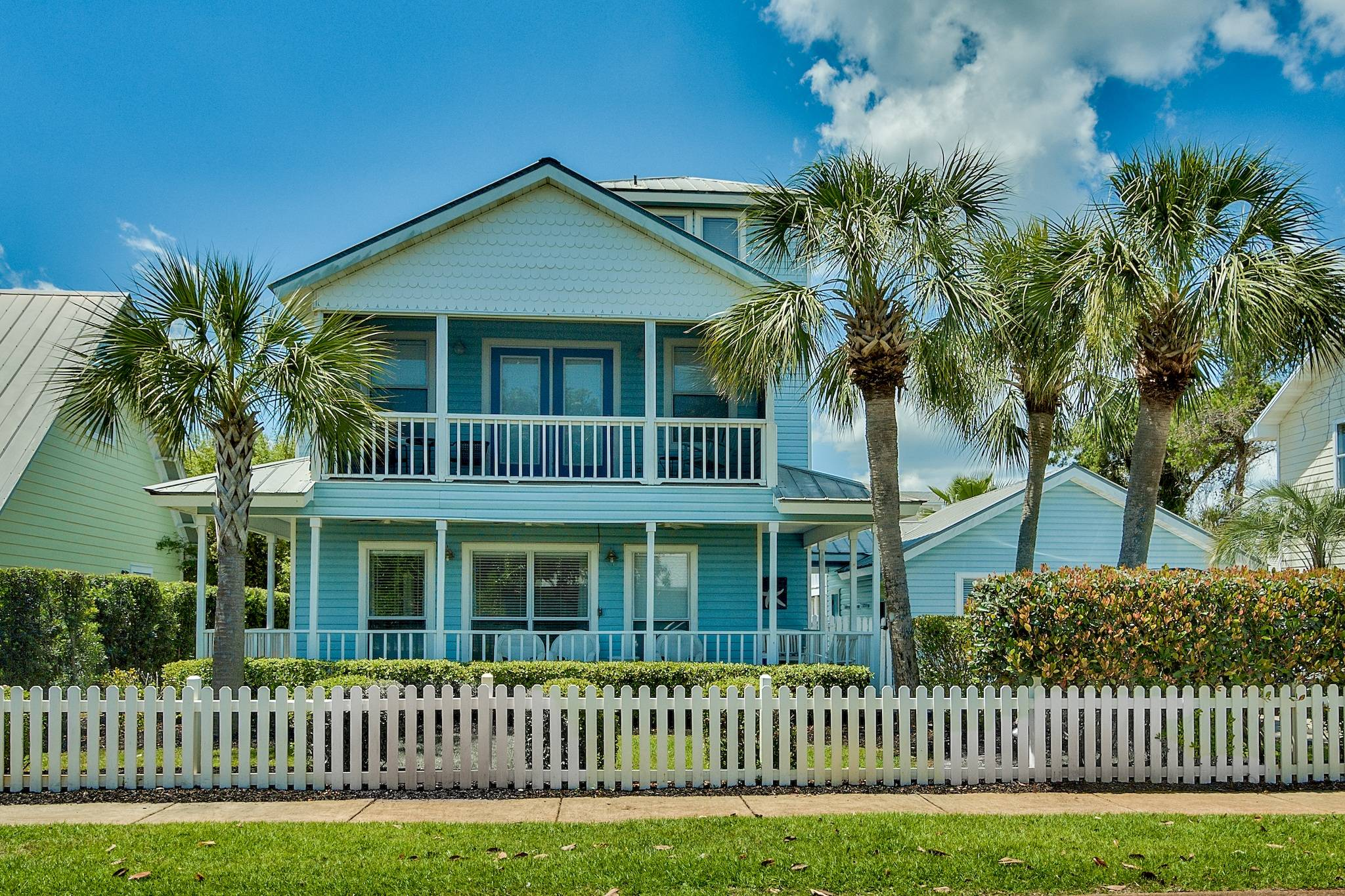 Fine Deja Blue Is A 5 Bedroom Destin Florida Beach Vacation House Home Interior And Landscaping Ferensignezvosmurscom